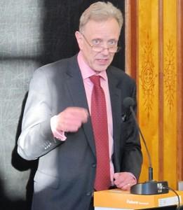 Thomas Wilhelmsson kertoi Unifin näkemyksistä.