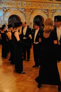 Tanssi musta puku 1