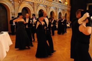Tanssi musta puku 2