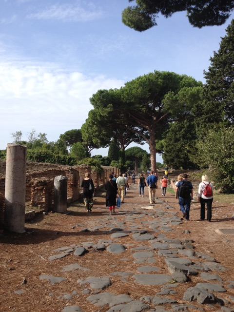 rooman suuntainen pääkatu