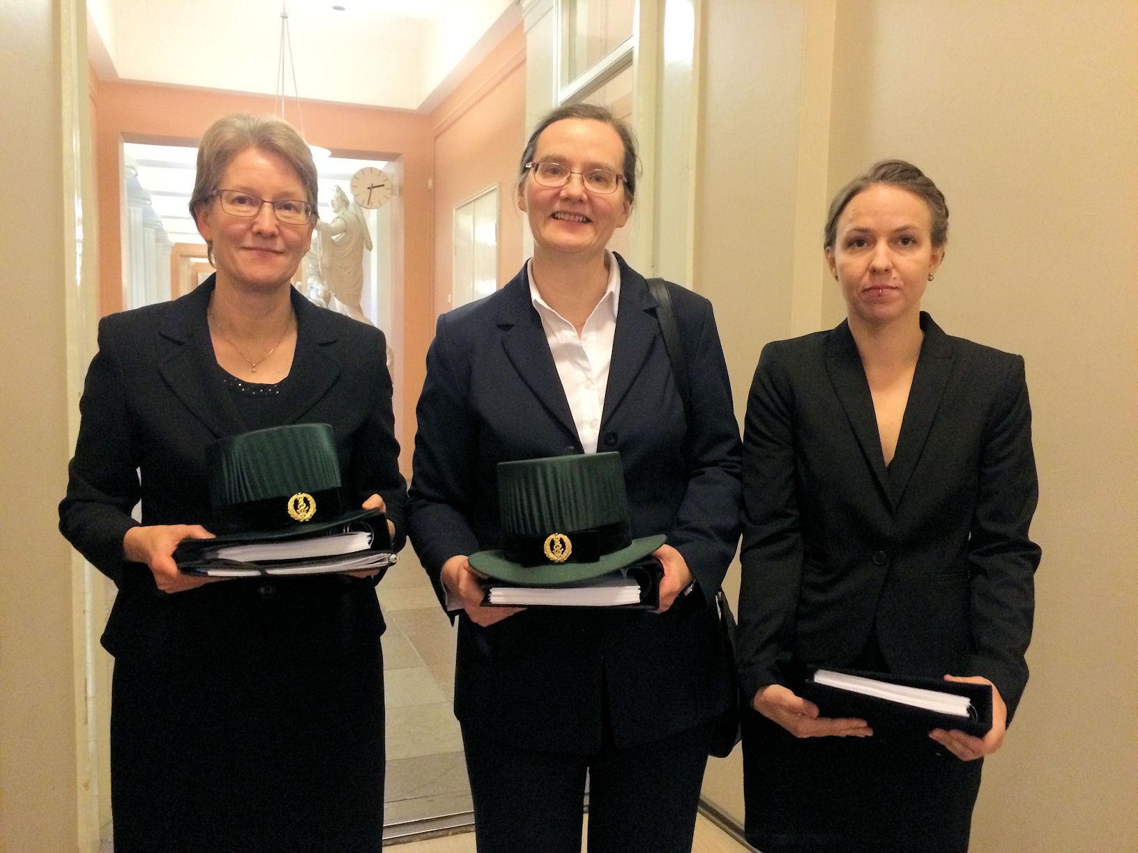 Prof. Anne Kallioniemi, Prof. Päivi Peltomäki and M.Sc Emmi Joensuu. Kuvaaja: Annette Gylling