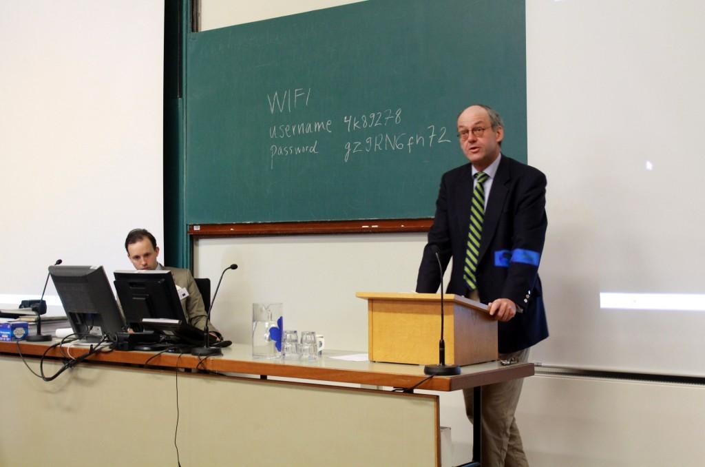 Keynote speaker professor Wolfgang Ernst giving a lecture.