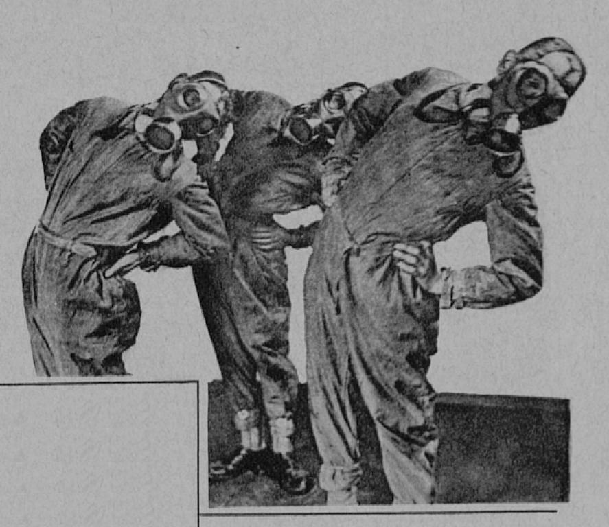 En teckning som publicerats i tidskriften Hakkapeliitta med tre män som utför kroppsövningar iklädda overall och gasmask. Männen står med händerna på höfterna och böjer överkroppen åt sidan. Bilden är svartvit.