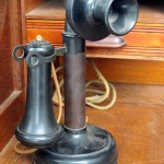 ANTIQUE PHONE_Morguefile