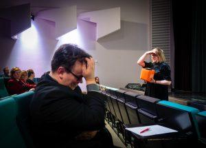 Kuvituskuva: Helsingin yliopiston kirjaston koko henkilökunta HULib-konferenssissa