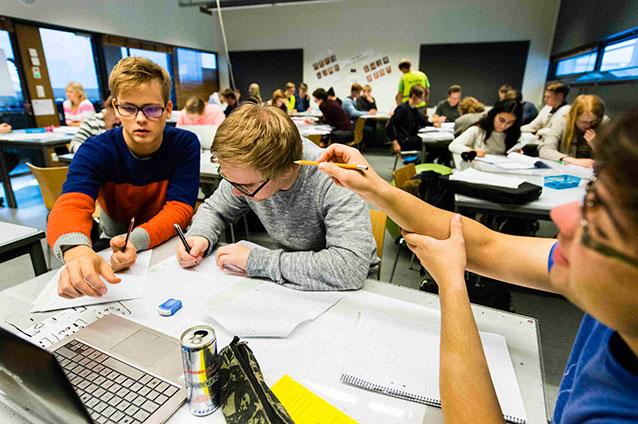 Tehostettua kisällioppimista Helsingin yliopiston matematiikan ja tilastotieteen laitoksella.