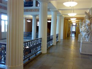 Interior of the University of Helsinki's Main Building. Image by Näystin under CC BY-SA 2.0.