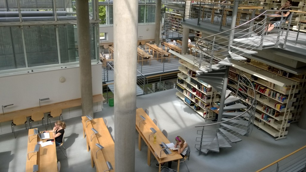 Kuva kirjastosta Mari Siiroinen.