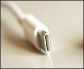 USB-C-liitin. Lähde: Wikimedia Commons, kuvaaja Bandideux