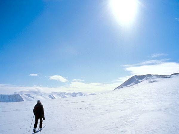 skiing-antarctica_45235_600x450