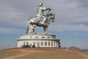 chinggis_khan_statue-2