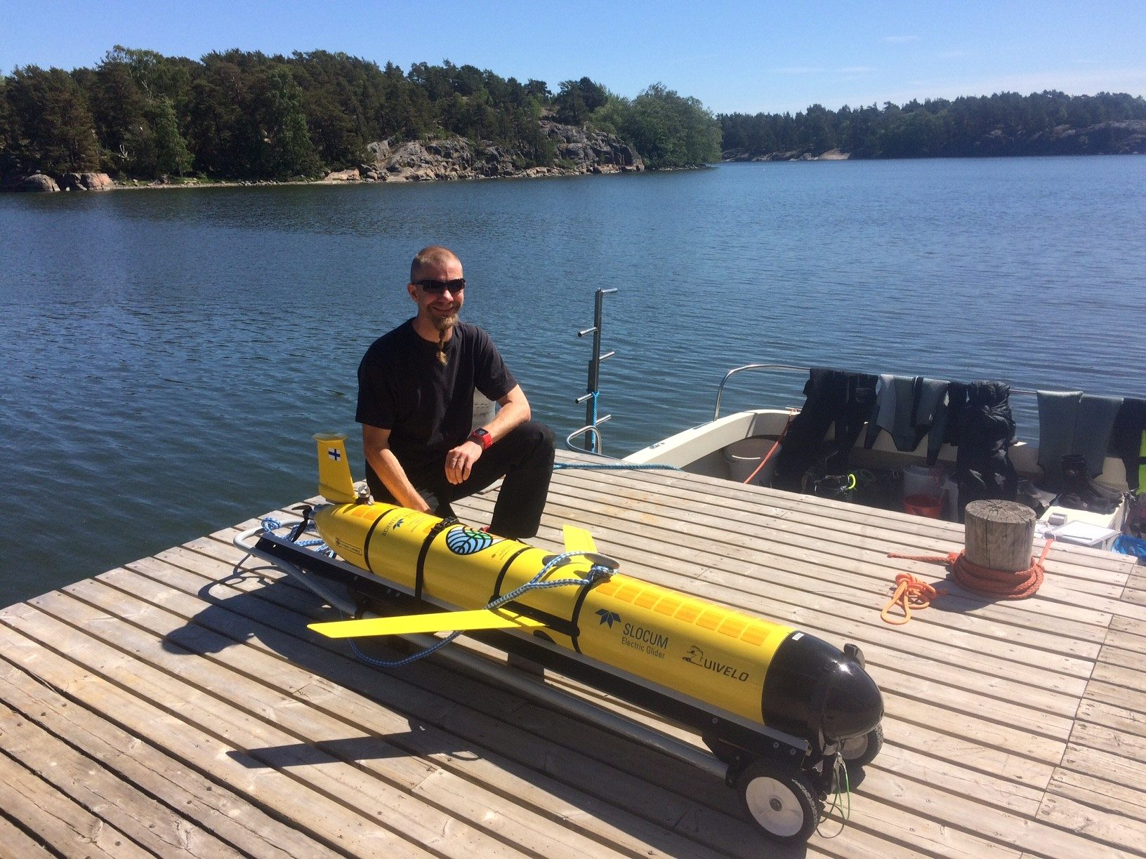 Finnish Meterological Institute and their under water glider.