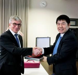 Dean, Professor Patrik Scheinin & Vice Dean, Professor Shang Junjie (尚俊杰)