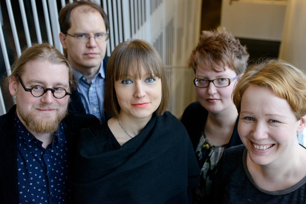 Vasemmalta Pauli Rautiainen, Riku Neuvonen, Anette Alén-Savikko, Outi Oja ja Sanna Nyqvist