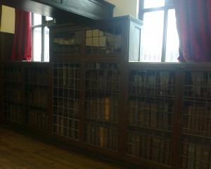 Leicesterin kaupungin vanhassa kiltatalossa oleva kirjasto.