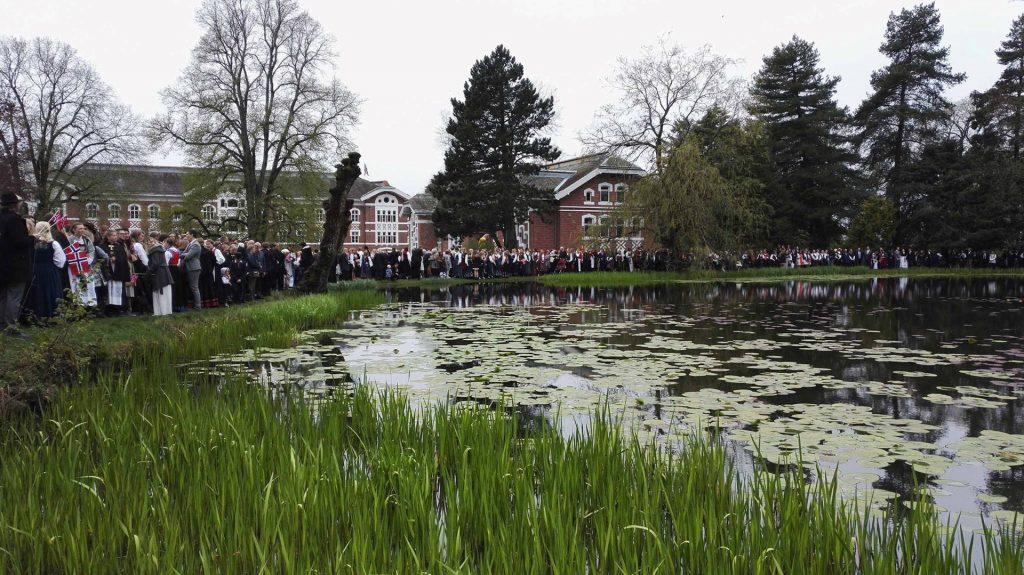 Kampus juhlatunnelmissa Norjan kansallispäivänä 17. toukokuuta