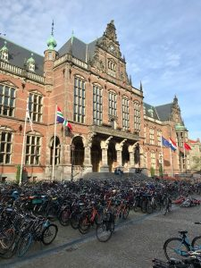 RUG Main Building & Student's bikes