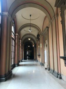 Yksi yliopiston kirjastorakennuksista.