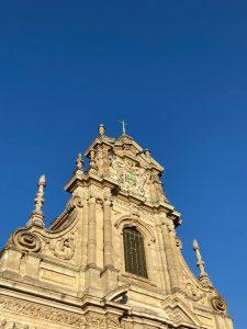 En av många kyrkor i Leuven