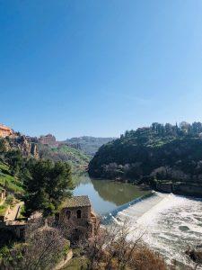 Päiväretki Madridin lähellä sijaitsevaan Toledoon, jonne pääsee matkakortilla ilman lisämaksua.