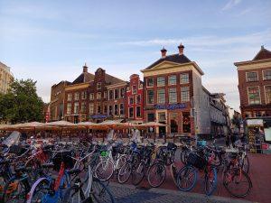 Polkupyöriä kaupungin keskustassa